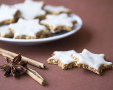Healthy_Cinnamon_Stars_with_Coconut_Frosting