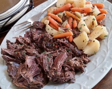 Slow_Cooker_Balsamic_Pot_Roast_with_Vegetables