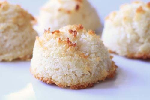 Classic Coconut Macaroons recipe photo